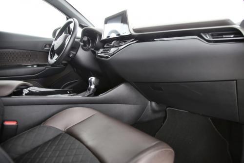 TOYOTA C-HR 1.2P TURBO 4WD HIGH GRADE + GPS + 1/2 LEDER + CAMERA + PDC