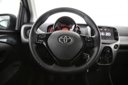TOYOTA Aygo XPLAY + CAMERA + AIRCO + BLUETOOTH