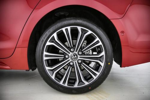 TOYOTA Corolla Touring Sports 1.8 Hybrid e-CVT Premium