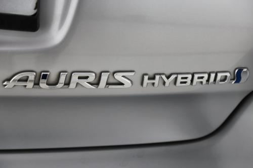 TOYOTA Auris TS DYNAMIC HYB 1.8 CVT + GPS + CAMERA + CRUISE + AIRCO